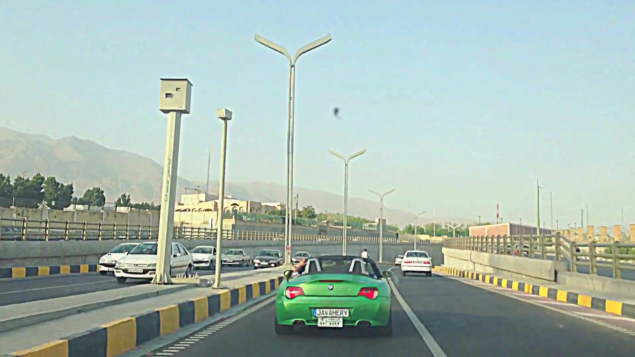 Bmw Z4 Green Matt In Iran Great Sound In Tunnel With