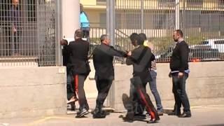 www.siciliatv.org -Favara, Protesta dei migranti davanti la Tenenza dei Carabinieri