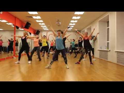 Michael Jackson - Hold My Hand Duet ft. Akon | ZUMBA FITNESS MAXFIT (Choreo Luchina L.)