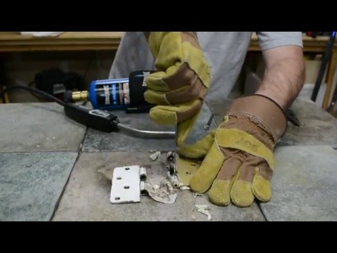 Removing Paint from Metal Hardware with a Torch - Fast & Easy