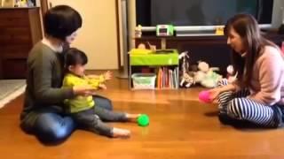 1歳10ヶ月 あやちゃんとボールなげ! きゃっきゃと笑うしーちゃんです!