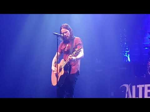 Alter Bridge, Myles Kennedy singing for his parents - Watch Over You (Dublin, Olympia 07.10.2017)