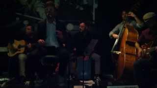 Walking on the moon (live) - Arturocontromano (Sting Cover)