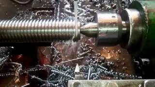 нарезание трапецеидальной резьбы Tr60x8  L480  HB260  резец ВК8