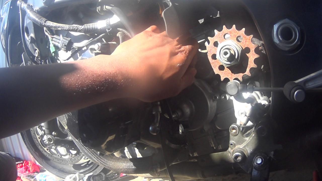Hayabusa clutch pushrod removal
