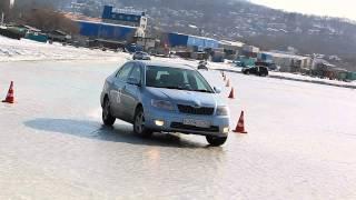 видео Рекомендации по вхождению на автомобиле в поворот