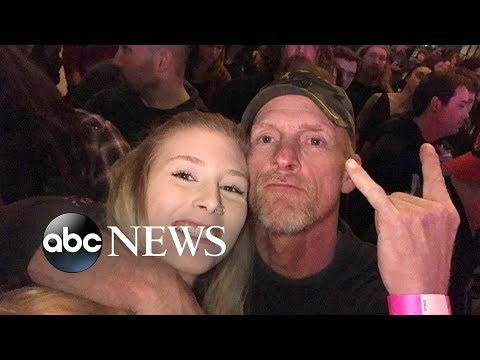 Dana McKenzie - Daughter signs song lyrics to deaf father at Three Days Grace concert