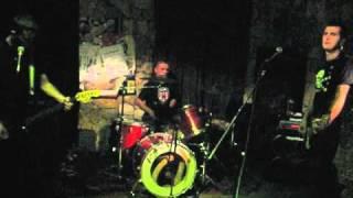 "DEAD YUPPIES ""Schemat"" - live @ Kawiarnia Naukowa, Kraków 04-12-10"