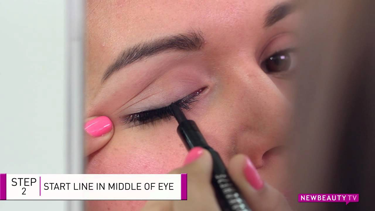 How to Apply Liquid Eyeliner in Seconds - YouTube