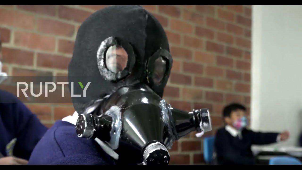 Colombia: Primary school students craft DIY masks amid coronavirus shortage