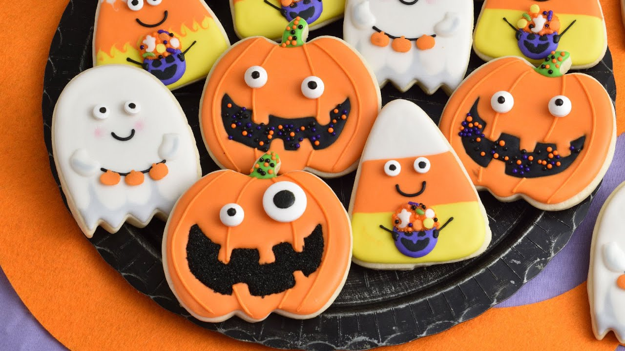 Halloween Iced Sugar Cookies.Cute Decorated Halloween Sugar Cookies Youtube