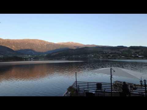 Time Lapse Atardecer en Ulvik fiordo Hardanger Hotel Strand Noruega
