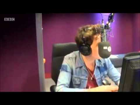 Harry calls Nick during his show this morning.