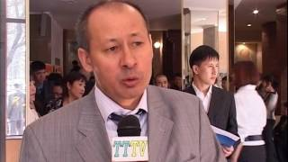 Конференция в Уйгурском театре по вопросу обучения родного языка