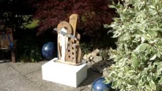 Ausstellung Gartenpracht und Kunstgenuss - Vinothek und Garten des El Olivo in Veitshöchheim