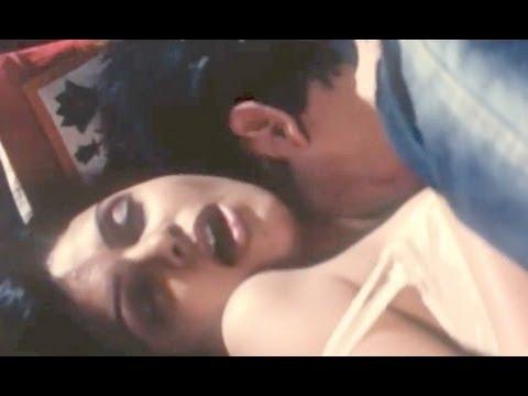 Timepass | Sherlyn Chopra Hot Scene In Car