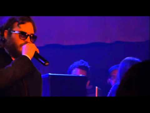 "Mockumentary ""I'm Still Here"": Joaquin Phoenix Performing in Miami(Attacks a Heckler)"