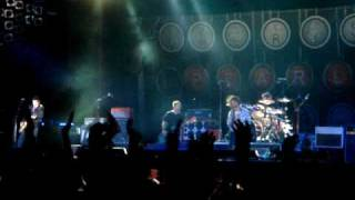 Pearl Jam - Arms Aloft (Joe Strummer & The Mescaleros), 2010-07-01 Poland