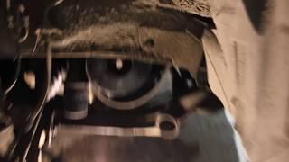 Как открутить или затянуть болт шкива коленвала. Петля на ремне - универсальный метод для всех авто.