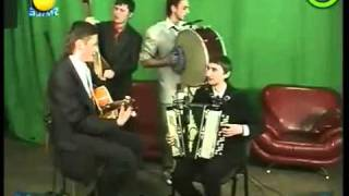 Katy Perry Oekrainse polka band does Katy Perry Hot N Cold