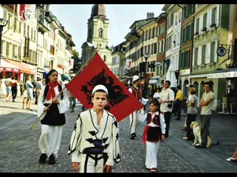 Vellezerit Aliu - Veq Per Pes Minuta (Albanian Traditional Folk Music)