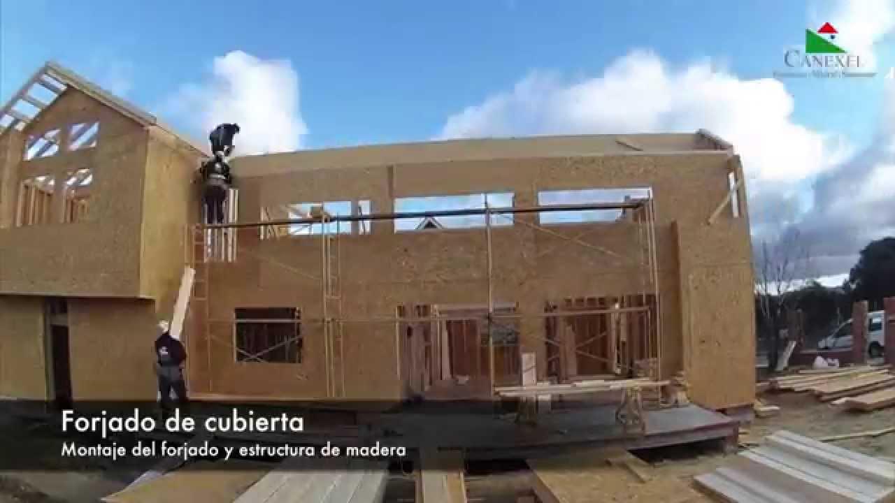 Montaje del forjado y estructura de una casa de madera - Estructura casa madera ...