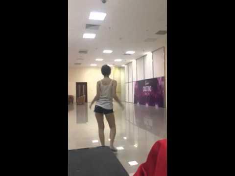 Gái Xinh Quẩy Lột Đồ Tại Phòng Tập - Ngân Lee [Idol tv]