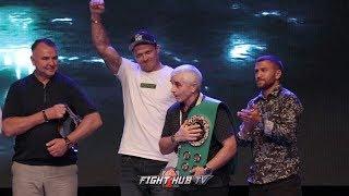VASYL LOMACHENKO & USYK HONOR POPPACHENKO WITH SPECIAL WBC BELT IN MEXICO