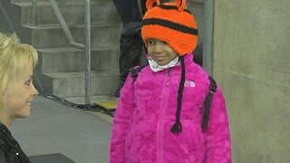 Raw: Still's Daughter Arrives for Bengals Game