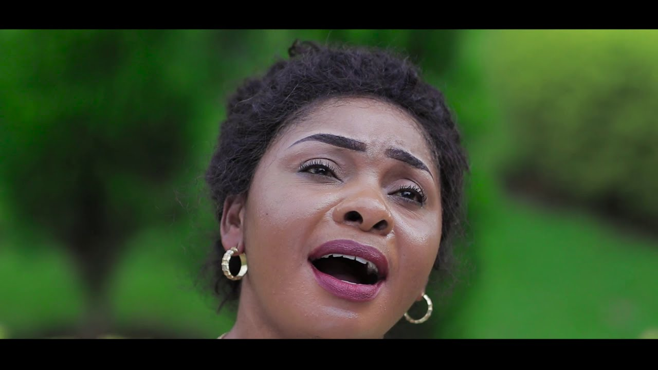 Download MAMAN TOTO KAMBA BWANA NDIYE MCUNGAJI WANGU (officiel video)