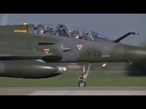 Cận Cảnh Buổi Tập Bay Của Các Phi Công Lái Máy Bay Phản Lực F-16 và F-15