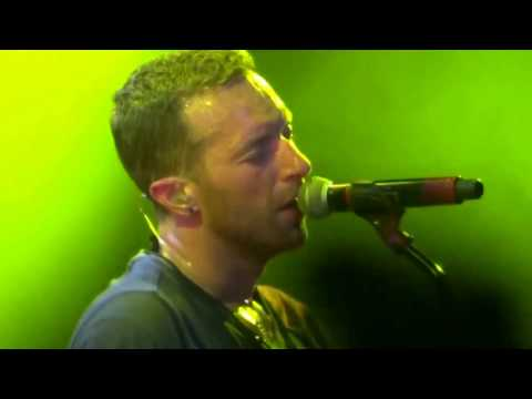 Yellow- Coldplay Abu Dhabi New Year's Eve Tour 2017 (HD QUALITY)