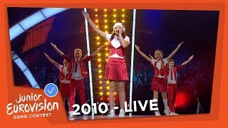 Gambar cover Sarlote & Sea Stones - Viva La Dance - Latvia - 2010 Junior Eurovision Song Contest