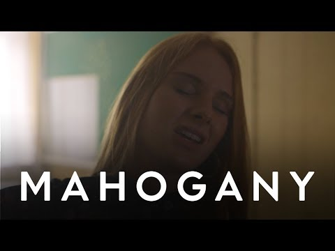 Vera Blue - Lady Powers | Mahogany Session