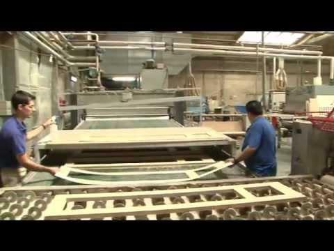 Puertas proceso de fabricaci n youtube for Fabricacion puertas madera