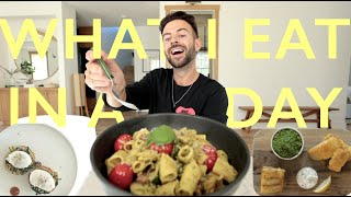 What I Eat Iฑ A Day | Fish 'n' Chips + Homemade Pesto Pasta