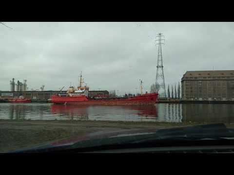 Gdańsk statek 'Poroniec' 2017 r.  Kanał portowy.
