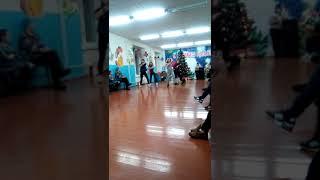 Танец в школе