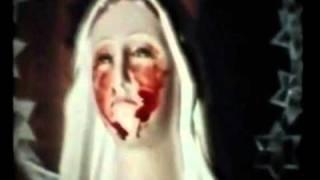 образы Девы Марии и младенца Иисуса плакать кровавыми слезами в доме итальянского стигматизации Тереза Musco