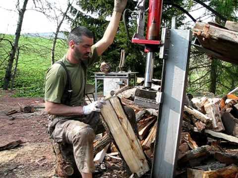 Prächtig Mein selbstgebauter Holzspalter am Minibagger am Minibagger - YouTube @BS_31