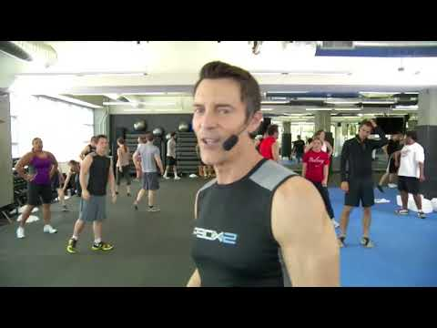 Free workout with Tony Horton creator of P90X, P90X2 and 10 Minute Trainer   Bea