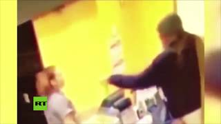 Video: Le ARROJÓ café caliente en la CARA