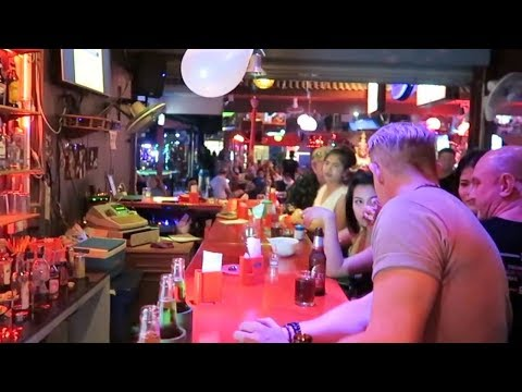 Chiang Mai Nightlife - A Night out in the Lady Bars