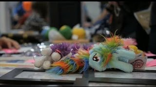 Video BRONIES - ADULT MEN WHO LOVE MY LITTLE PONY - BBC NEWS download MP3, 3GP, MP4, WEBM, AVI, FLV Juli 2018