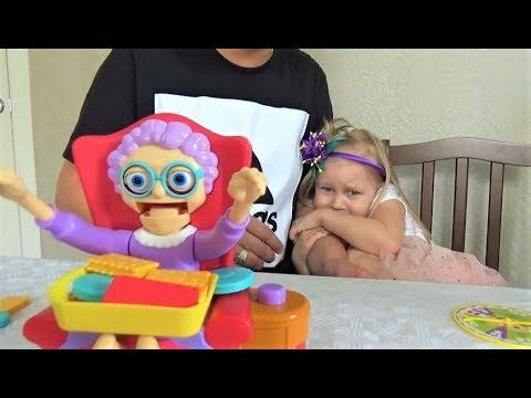 Ловим ЧЕЛЮСТЬ бабули с Алисой !!! Веселая игра для всей семьи