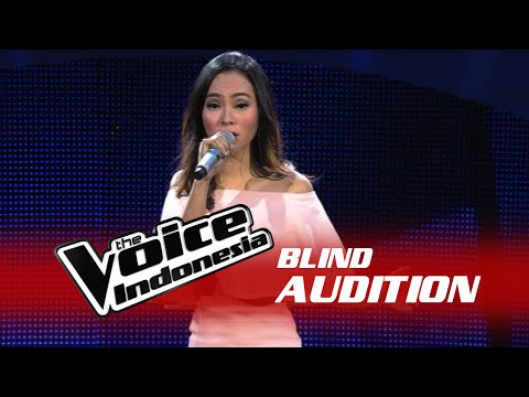 "Ayuning Intan ""Flashlight"" 