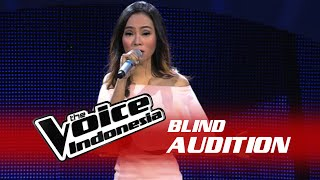 "Video Ayuning Intan ""Flashlight"" 