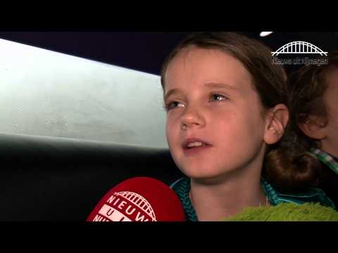 Amira Willighagen finalist Holland's Got Talent interview in de limousine