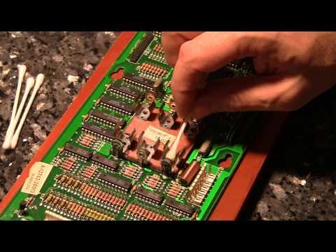Neutralizing acid on a pinball board with a leaky battery -  Pt 2 - PinballHelp.com