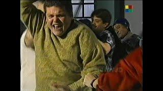 Disturbios En La Tribuna - La Policía Reprime A Barras Bravas -  Cha Cha Cha
